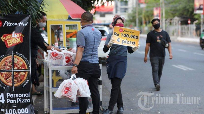 Manajer Hotel Jualan di Pinggir Jalan Masa Pandemi